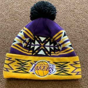 Mitchell n ness lakers beanie
